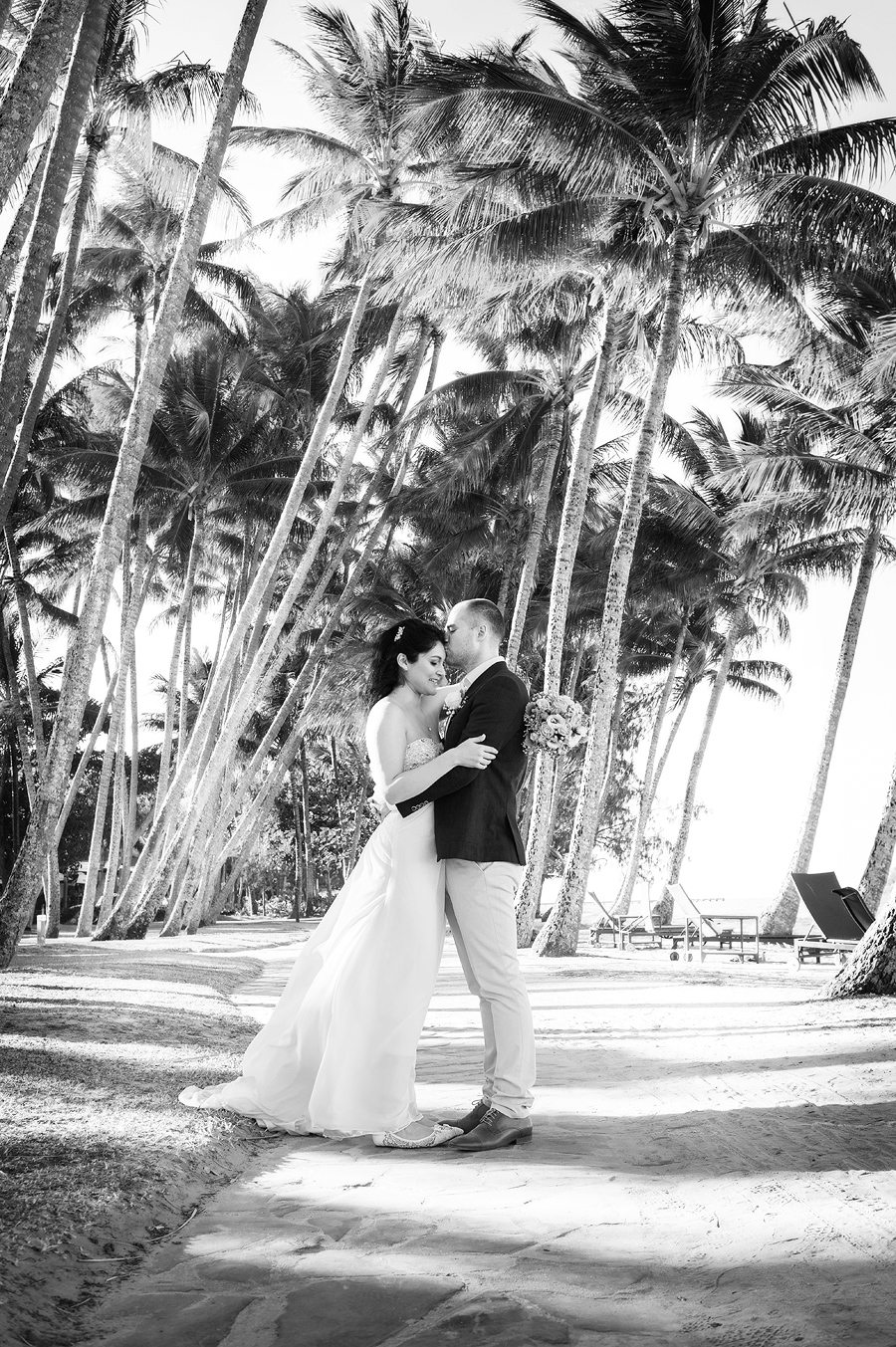 palm cove beach wedding photos