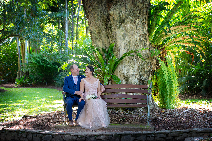 Cairns wedding at botanic gardens